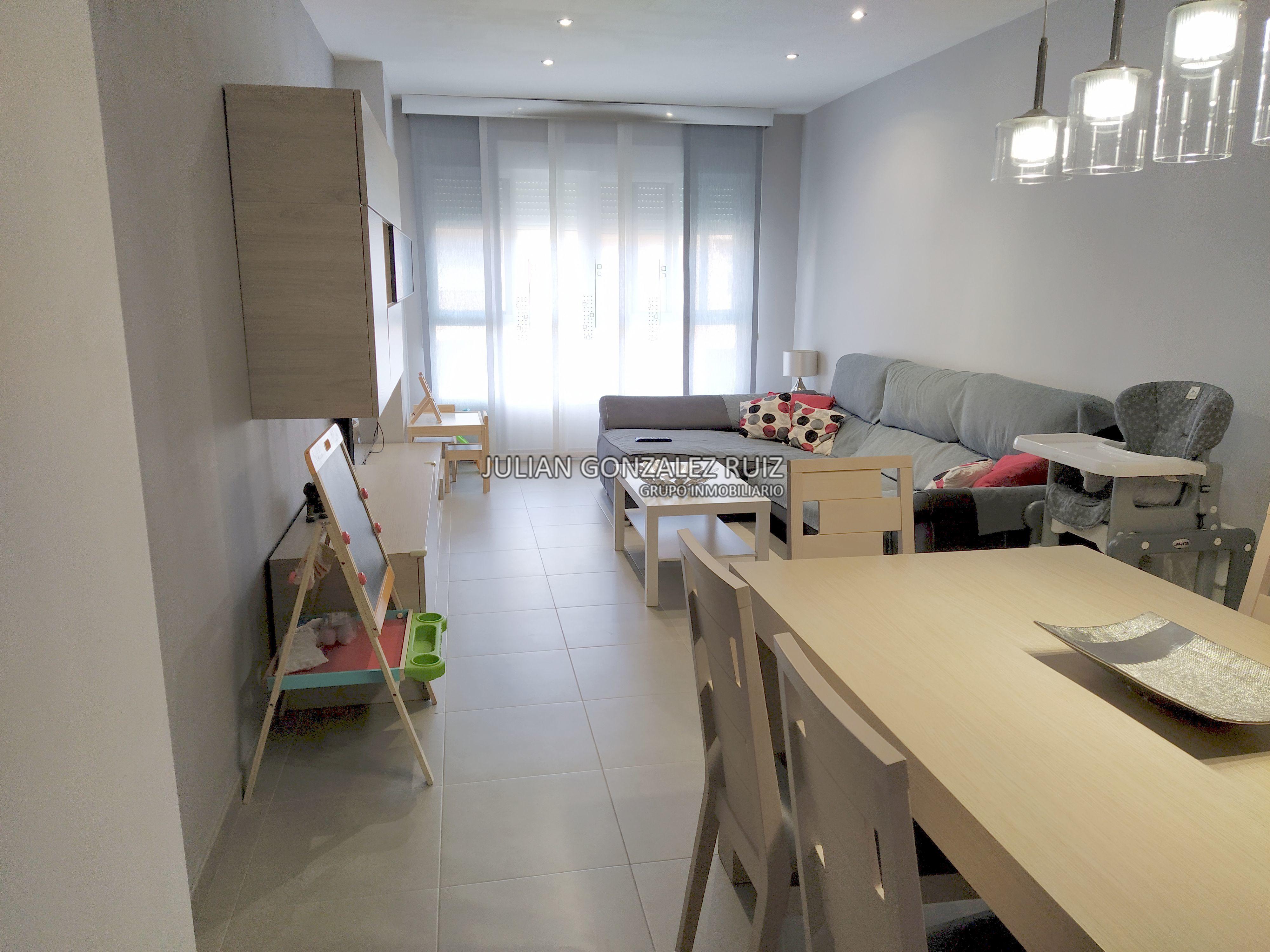 Piso de 87 m2 en venta en Almazora