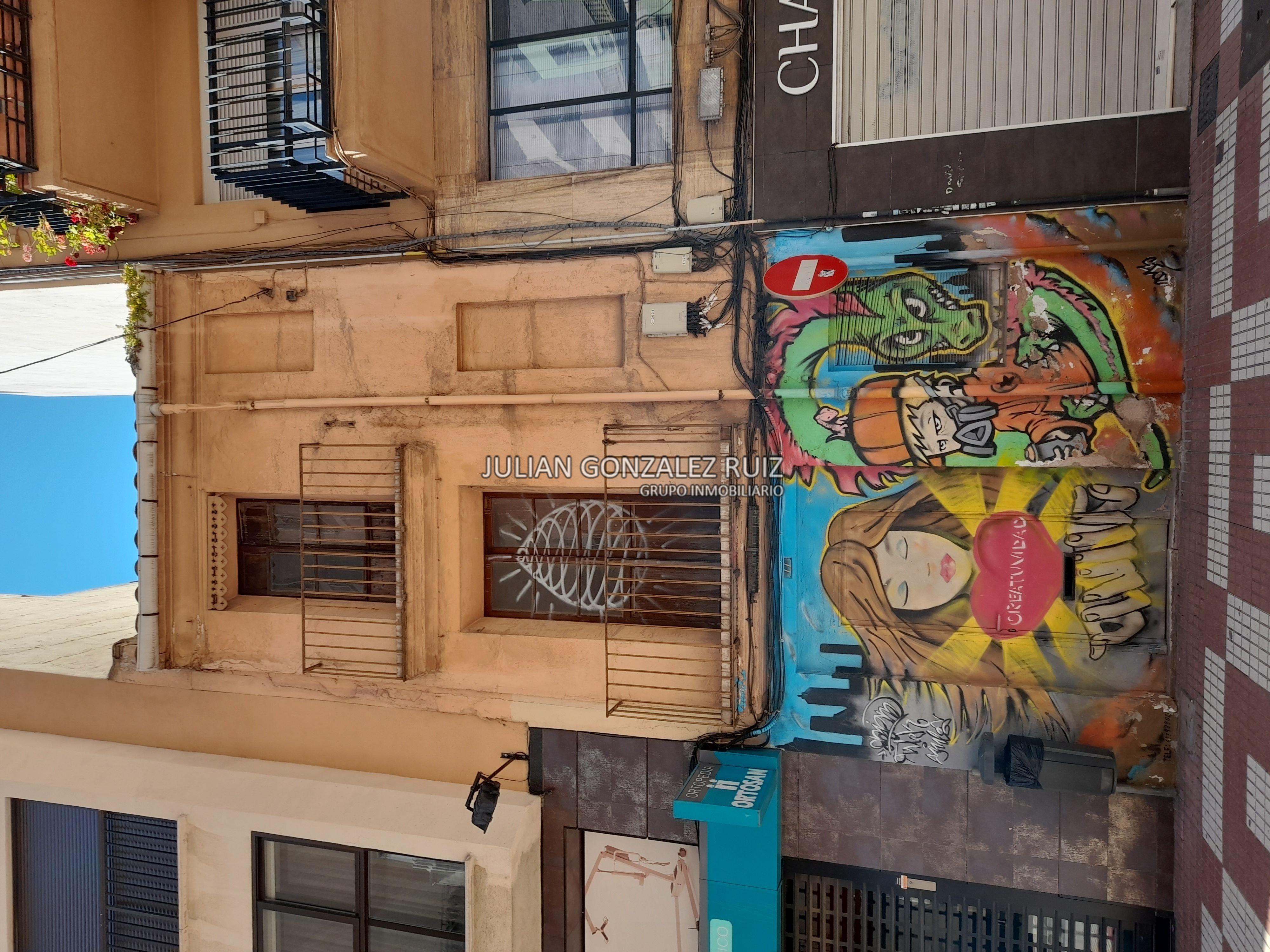 Casa de 121m2 en venta en Castellón
